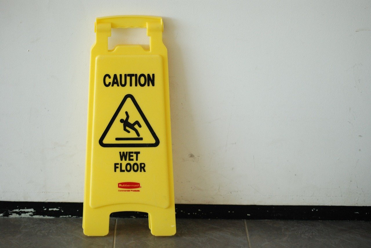 How To Reduce Slips and Falls at Your Laundromat